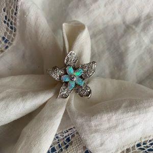 Large Sparkling Flower ring